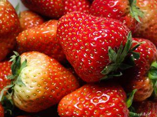 strawberries nokia808 macro